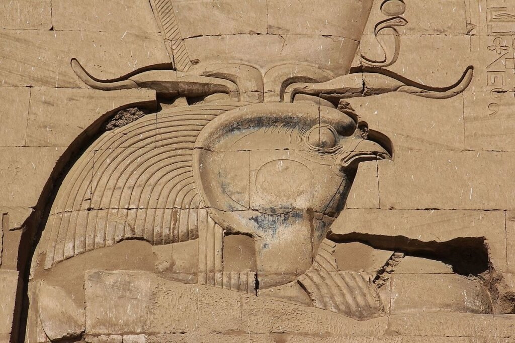 Relieve de Horus. Edfú. Steven C. Price, CC BY-SA 4.0
