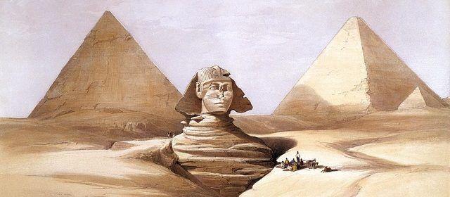 Esfinge cubierta de arena
